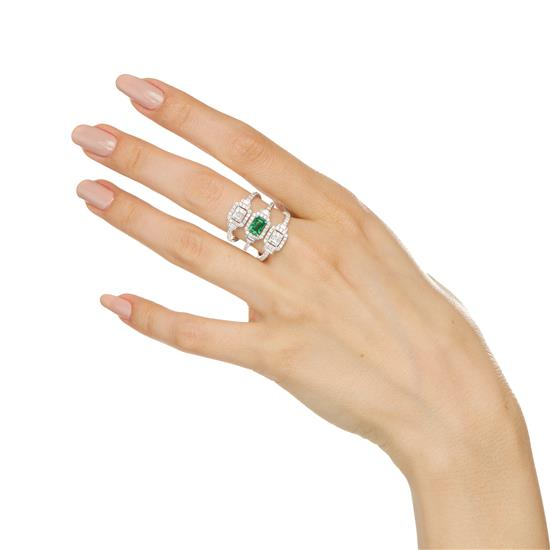 Ring With Emerald And Diamond In 18K White Gold