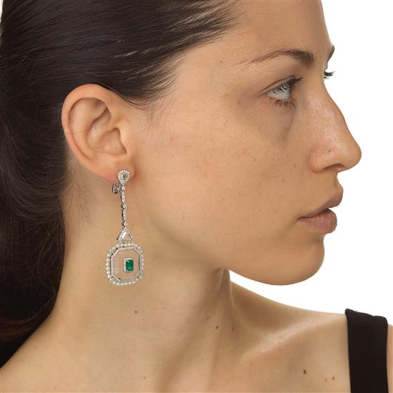 Earring With Emerald,Agate,Diamond And Pearl In 18K White Gold