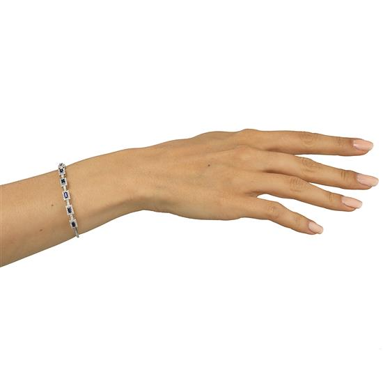 Bangle With Blue Sapphire And Diamond In 18K White Gold